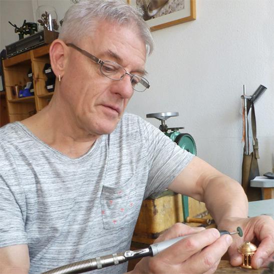 Ulrich Neuhaus Schmuck und Skulptur - Persönlich